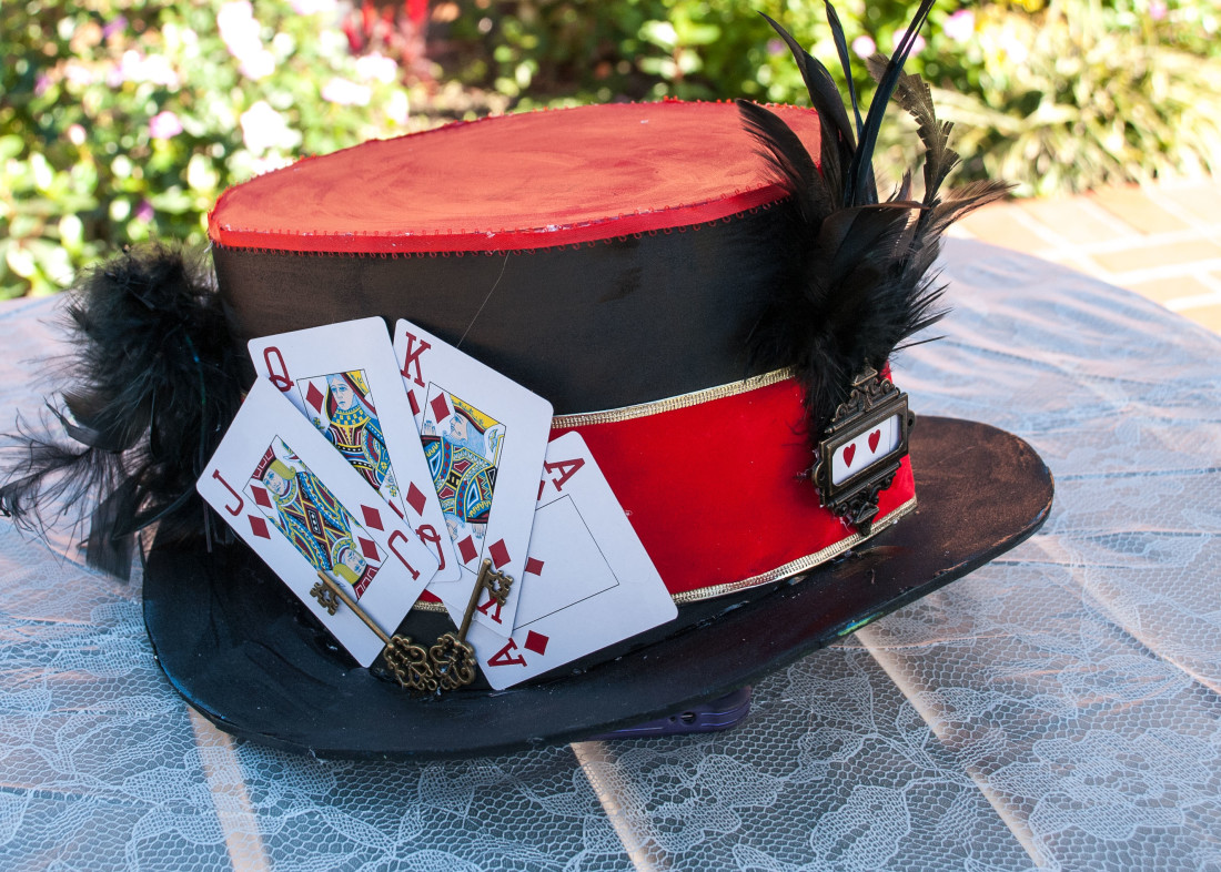 Knave of Hearts Top Hat